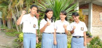 Para siswa yang juara OSK